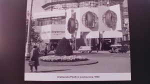 Costruzione grattacielo Pirelli, 1958