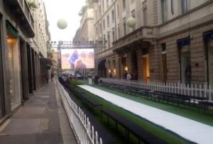 Via Montenapoleone oltre 400 mt di passerella per i dieci stilisti emergenti