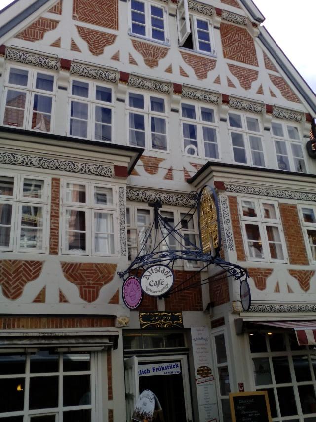 edificio-14-15-sec-facciata-a-intelaiatura-1650